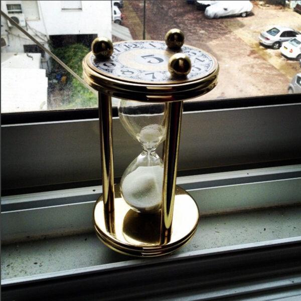 Hourglass 85