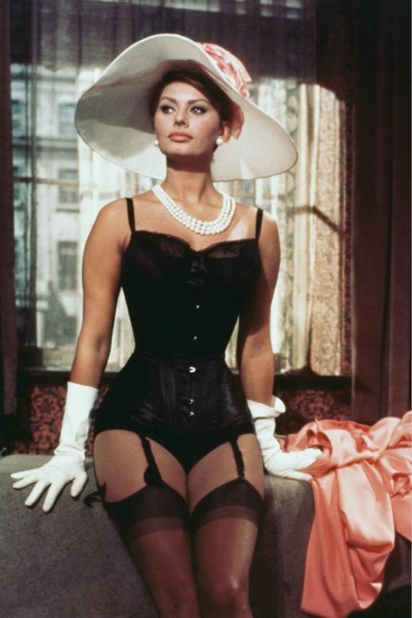 Hourglass figure Sophia Loren